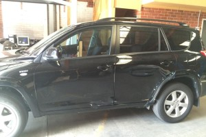 Toyota RAV4 side view 1